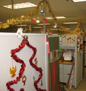 How to Run a Christmas Cubicle Decorating Contest | PaperDirect Blog