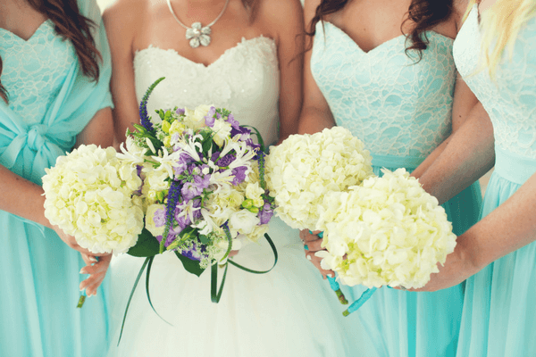 seasonal wedding colors bride and bridesmaids